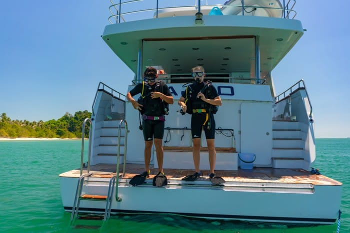 AJAO Yacht Boat Cruises Luxury Experience Thailand Activities 30 700px