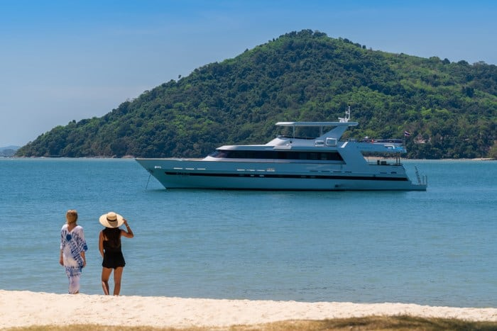 AJAO Yacht Boat Cruises Luxury Experience Thailand Activities 9 700px